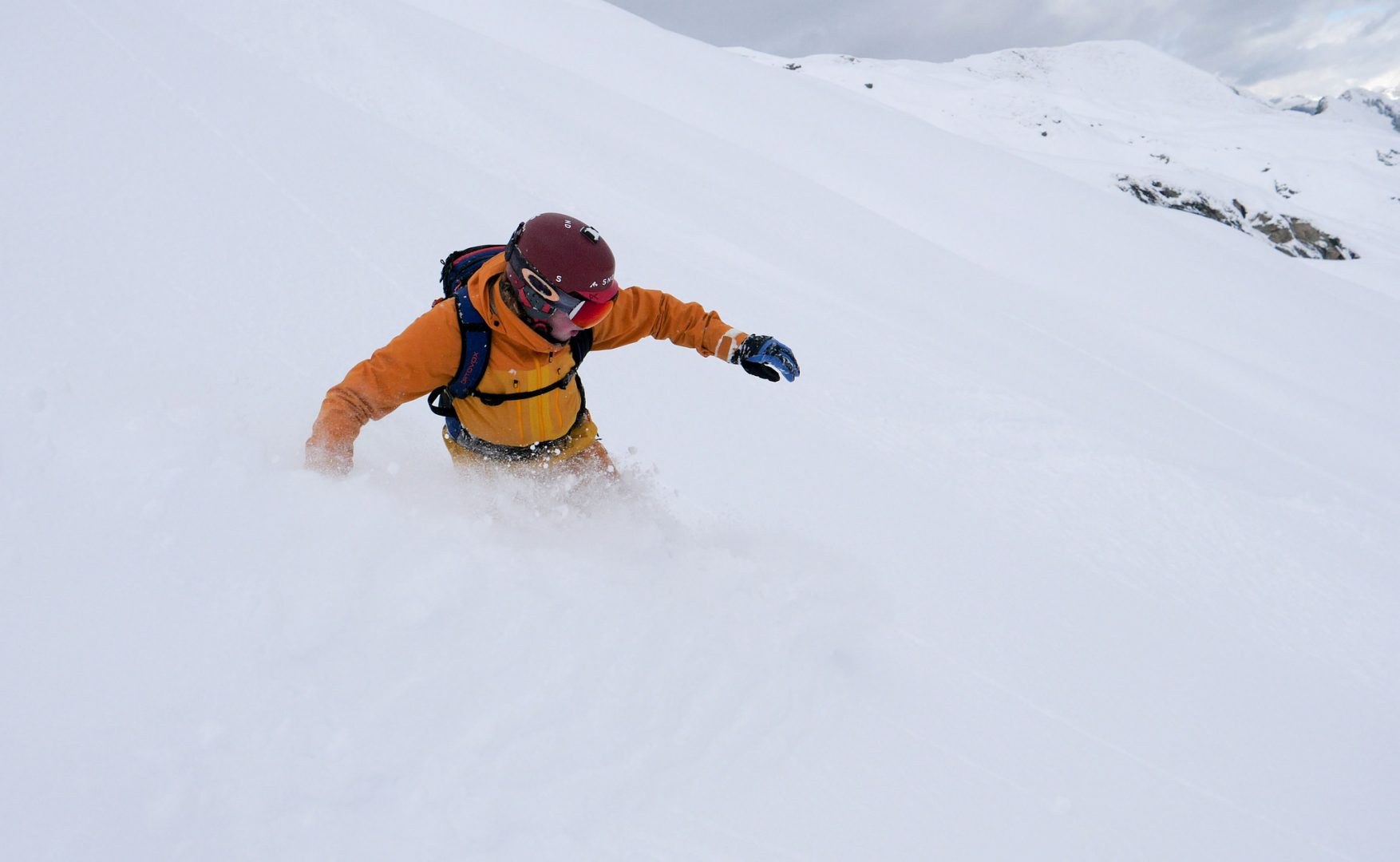 Snowminds Snowboard instructor japan off piste freeride japow